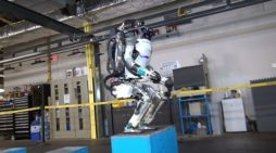 Boston Dynamics Atlas Robot can now do backflips