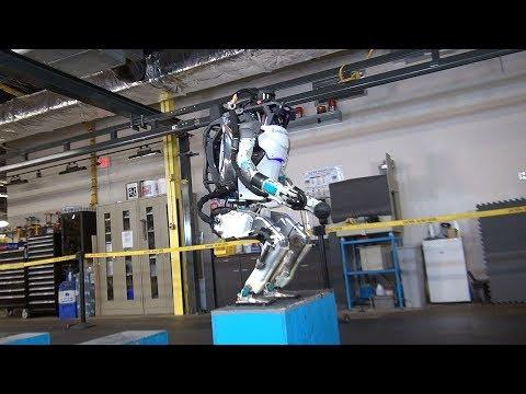 Boston Dynamics Atlas Robot can now do backflips